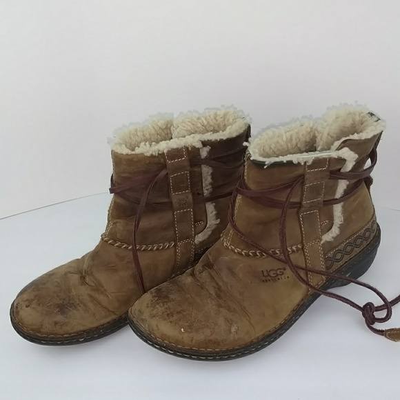 7edaaaa6783 💥💥SHOE SALE💥💥 UGG Sherpa Ankle Hiking Boots
